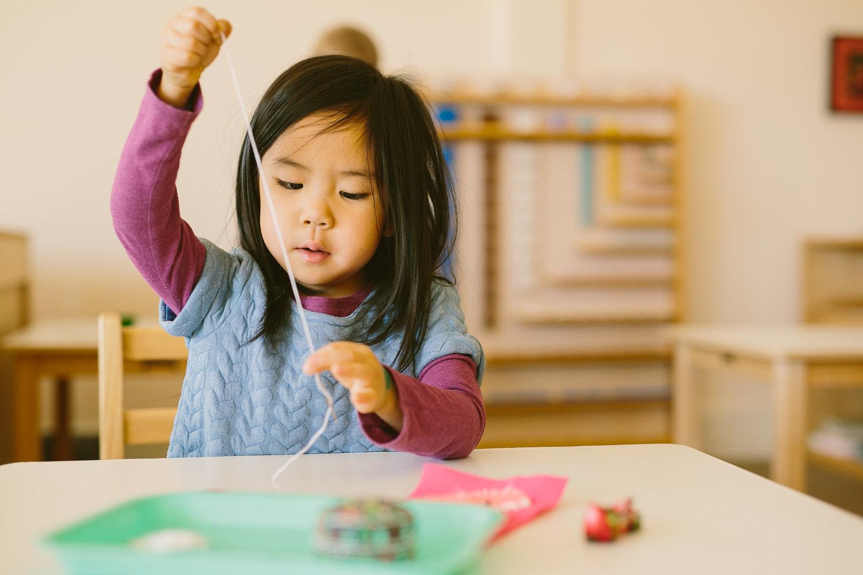 Ce este metoda de predare Montessori?