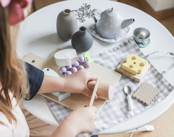 Bucătăria și accesoriile ei din lemn